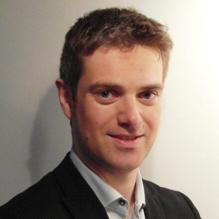 (Micro)portrait : Frank Brezout, directeur des études marketing internationales – Parfums Christian Dior