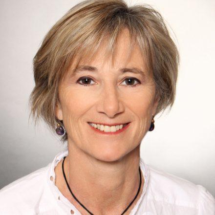 « Nous devenons de véritables caméléons ! » – Interview d'Isabelle Herbert-Collet, VP Market Research chez Orange