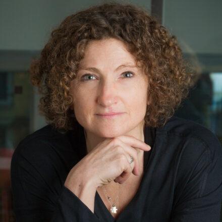 L'hypnose a-t-elle sa place dans les études marketing ? – Interview de Sophie Rivet (Market Vision)