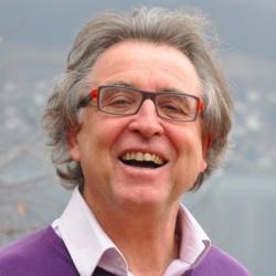 Quels nouveaux outils pour analyser les discours des consommateurs ? Interview de Jean Moscarola, fondateur de Sphinx Développement.